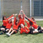 Voetbalmeiden vv Smitshoek MC2 kampioen
