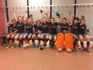 J8E1 van Hockeyclub Barendrecht ongeslagen kampioen