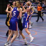 Basketbalvrouwen verliezen in eindfase van Solar-systemen Grasshoppers